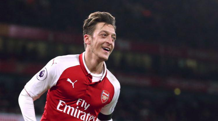 Gunners in last-ditch attempt to keep Ozil amid United and Barcelona interest