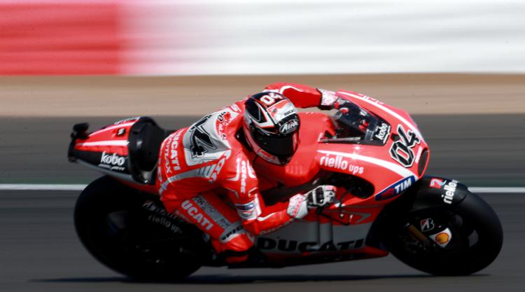 Andrea Dovizioso wins thrilling battle with Marc Marquez for Austrian victory