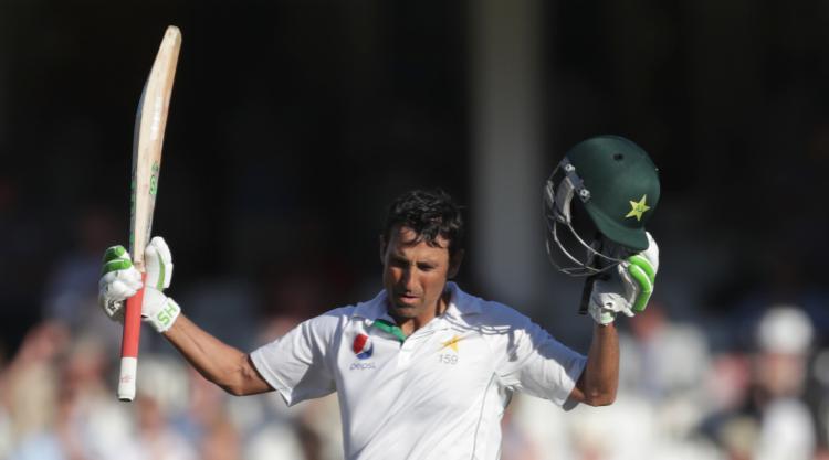 Younus Khan passes 10,000-run mark as Pakistan close in on West Indies total