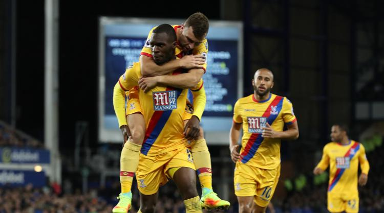 Crystal Palace held at Everton after controversial disallowed goal