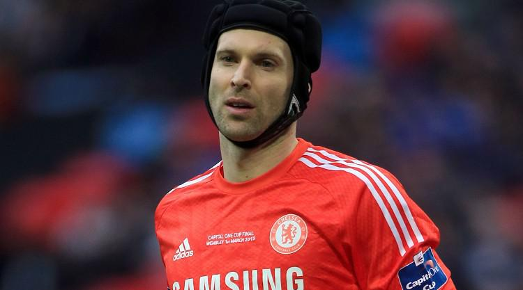 Cech completes Gunners move