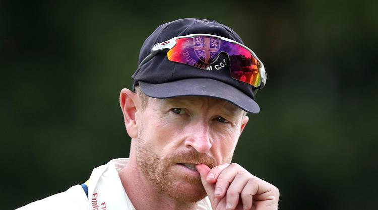 Captain Collingwood commits to another year with Durham