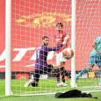 Man Utd legend Peter Schmeichel furious with David de Gea over latest blunder